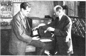 Edward_Kellogg_&_Chester_Rice_avec haut-parleur électrodynamique_1925